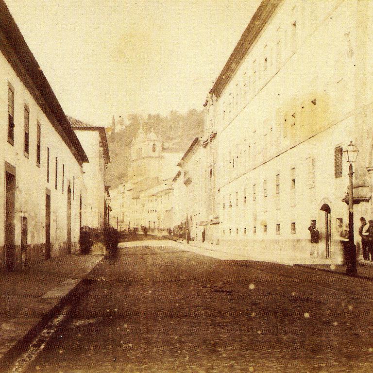 Rua da Sofia, Coimbra, c.1875 (Extracto de fotografia da Colecção de Alexandre Ramires)