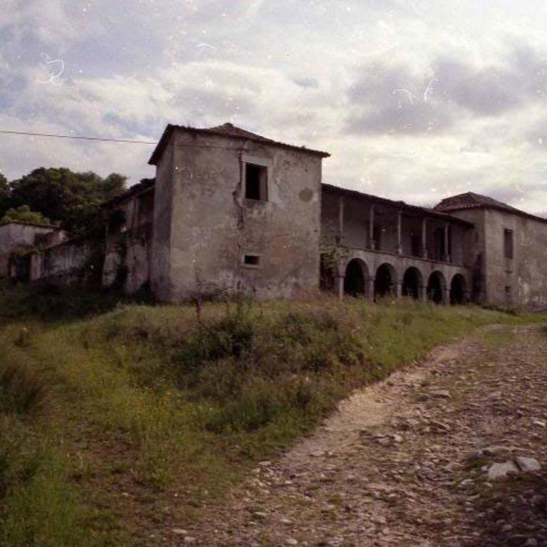 Photograph of the Farmhouse (1980's) - Eduardo Cardoso Mascarenhas de Lemos (architect)